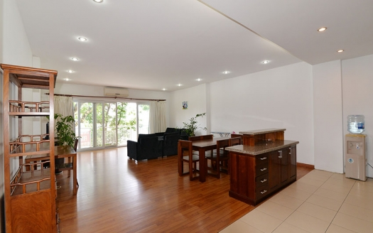 Large apartment with open view to lease in Truc Bach area