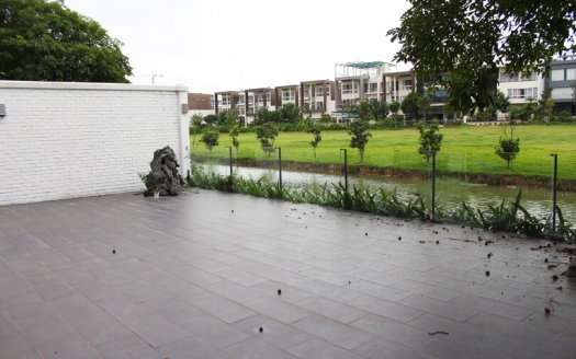 Large renovated 5 bedrooms villa to lease in Ciputra with open view