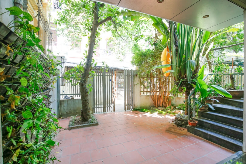 222 Modern 4 beds 4 baths rental house in Tay Ho with yard
