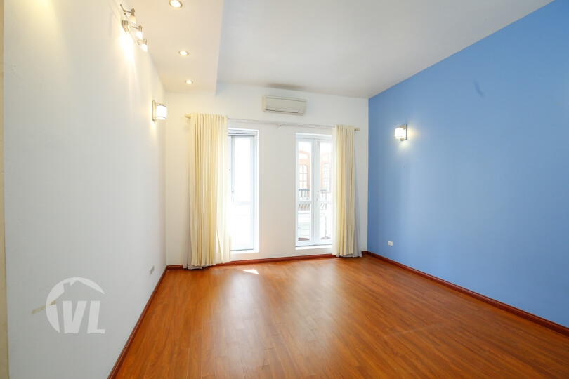 333 Modern 4 beds 4 baths rental house in Tay Ho with yard