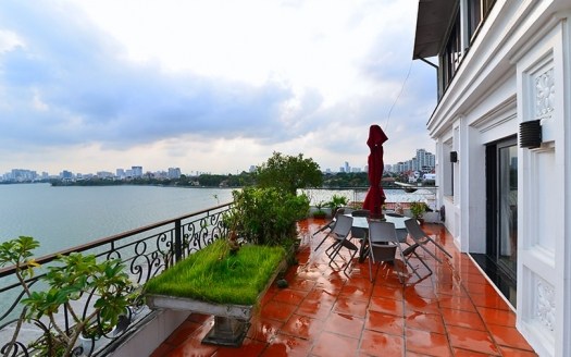 Penthouse in Tay Ho for rent with terrace facing the West Lake
