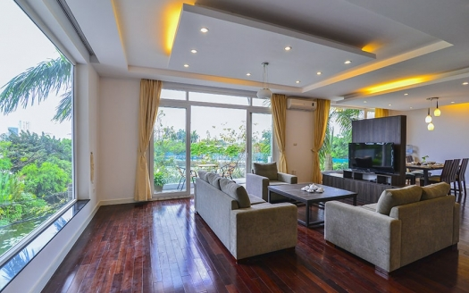 Renovated 4 bedrooms apartment in Tay Ho facing the West Lake