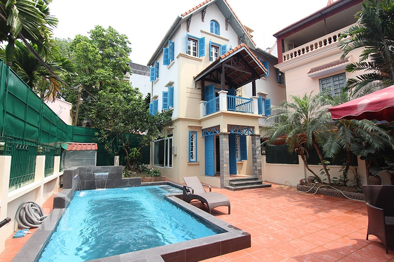 222 Renovated swimming-pool villa to lease in Tay Ho area Hanoi