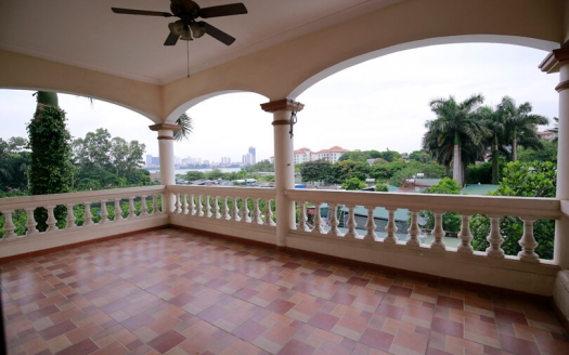 Spacious freestanding villa in Tay Ho with garden and open view