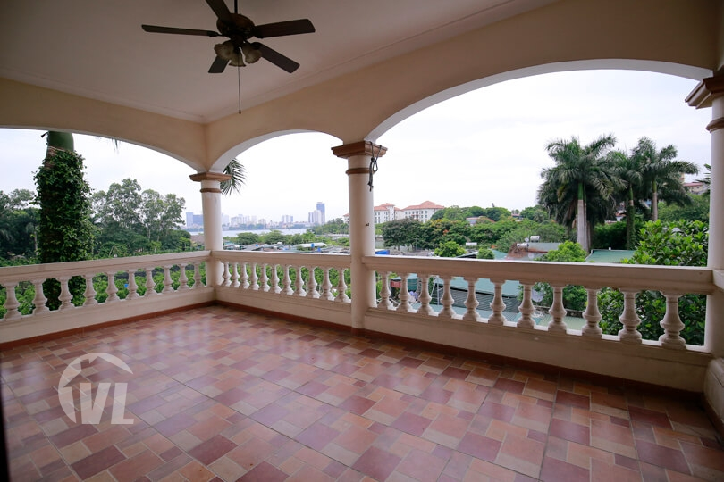 222 Spacious freestanding villa in Tay Ho with garden and open view