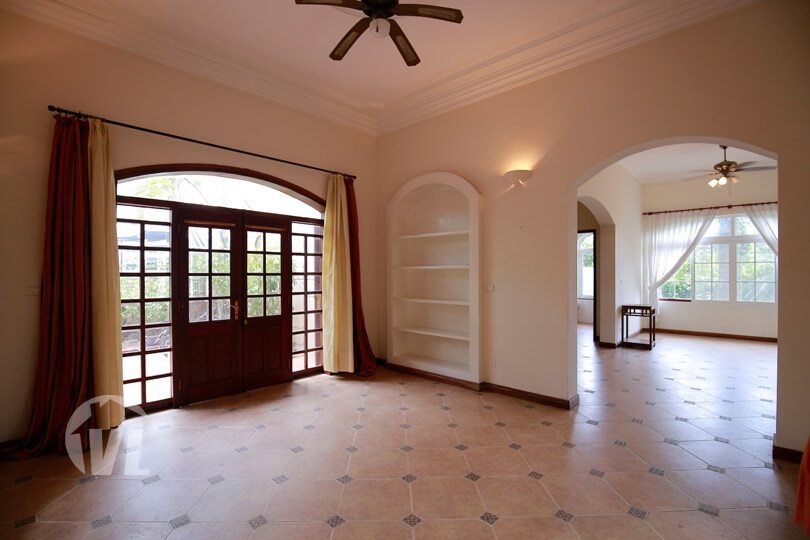 333 Spacious freestanding villa in Tay Ho with garden and open view