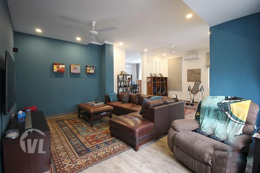 222 charming corner villa at T block