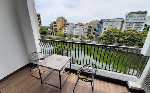 Lake view studio for rent on Yen Hoa Street