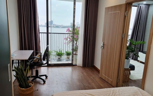 Lake view 1 bedroom apartment on Nguyen Dinh Thi