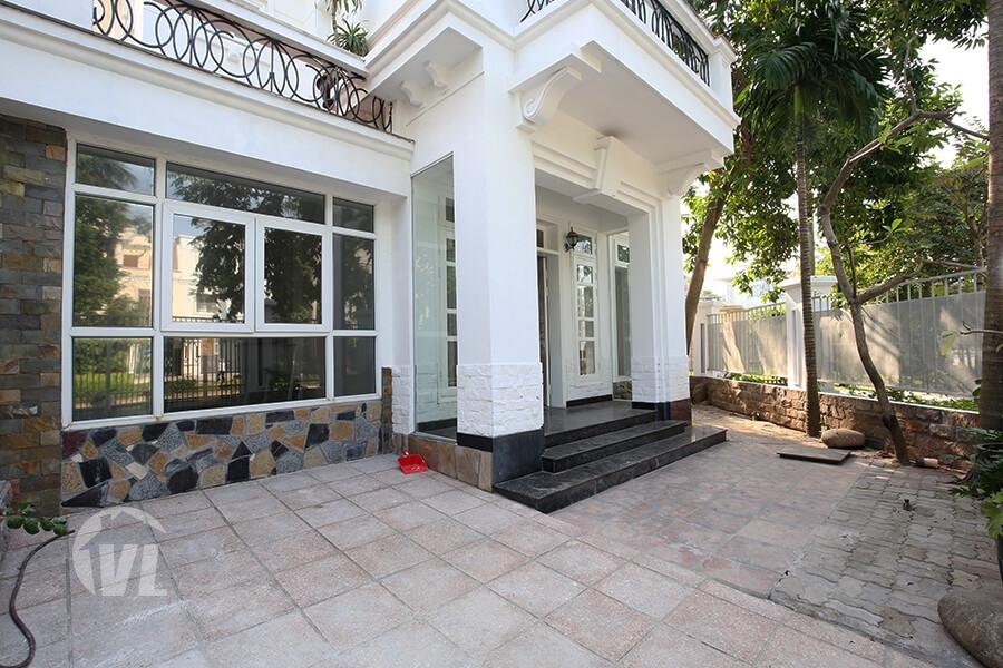 222 Corner 4 bedroom furnished villa at D block Ciputra Hanoi for rent