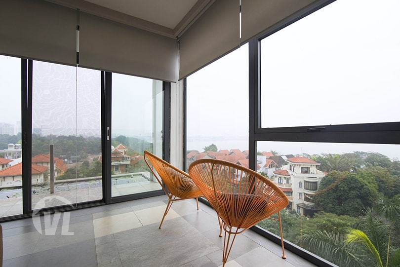 333 Furnished 4 beds apartment to lease in Tay Ho with West Lake view