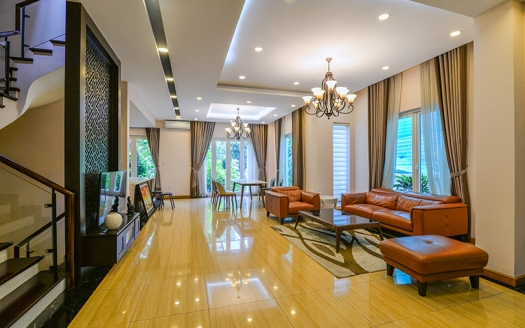 High-quality 4 bed house in Hoa Sua 2 Vinhomes Riverside