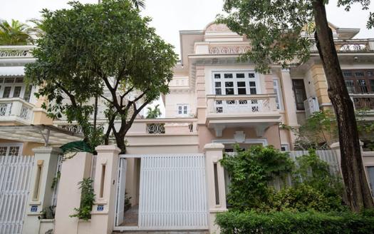 villa near unis school