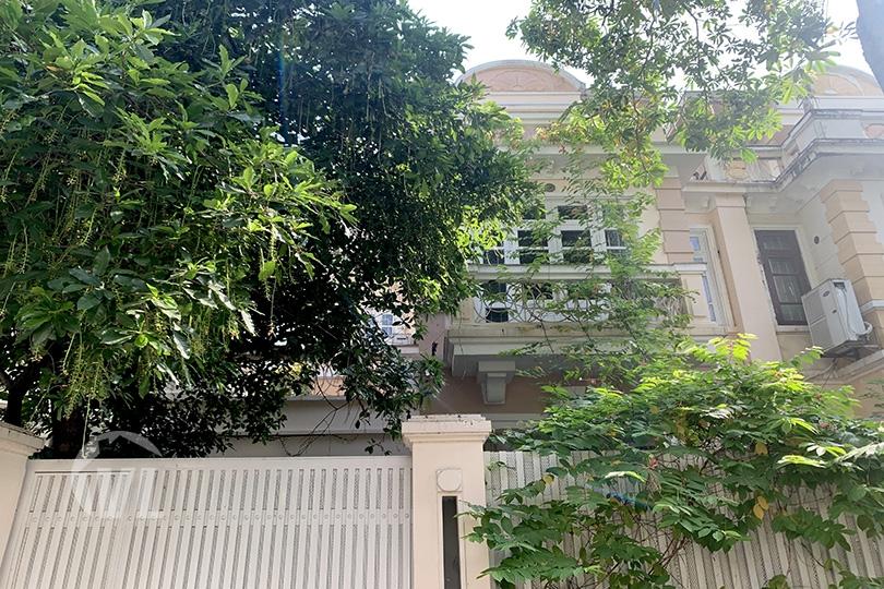 222 Ciputra villa for rent