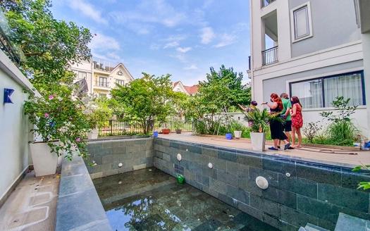 Unique swimming-pool villa to lease in Vinhomes Riverside Hanoi