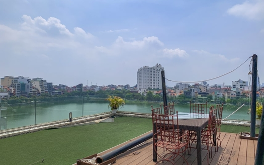 1 bedroom penthouse to rent in Tay Ho with private terrace