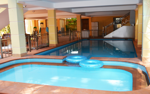 Huge 7 beds house to lease with pool in Tay Ho area