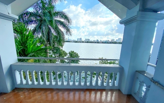 Modern house to lease facing the West Lake in Tay Ho