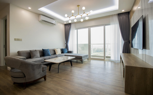 Well-renovated 3+ bedroom apartment at E5 tower Ciputra