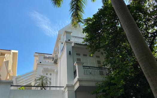4 bedrom villa in Ciputra Block T