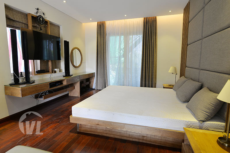 333 Detached house to rent in Vinhomes Riverside Hanoi